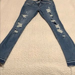 Hollister distressed jeans size 3 worn once